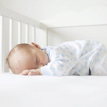 Koliko bebe spavaju [ u 1. godini ]
